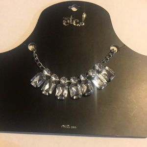 RUE21 necklace with bling